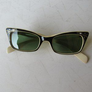 1950s Green and Beige Inlayed Cat Eye Sunglasses